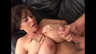 haciendo un porno duro para satisfacer a esta mujer perra